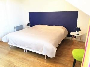 chambre-etage-villa-arago-vacances-les-sables-dolonne-centre-ville
